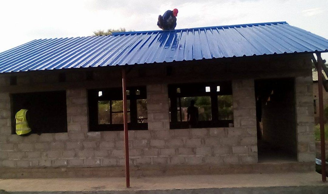 The roof is on at Linda Community School!